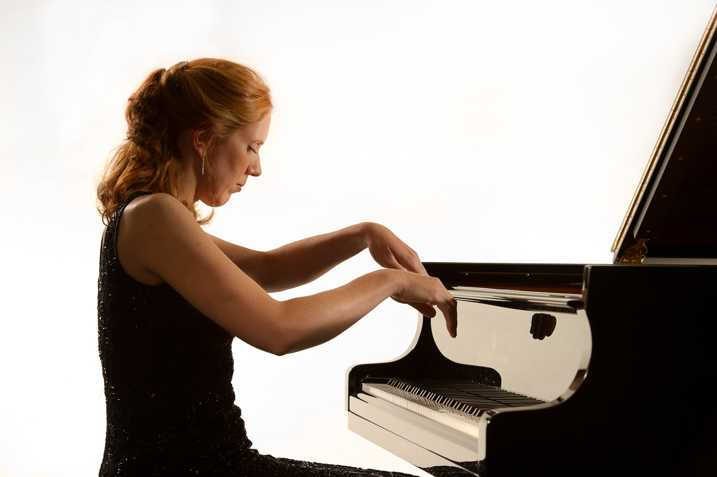 Sarah Beth Briggs playing the piano